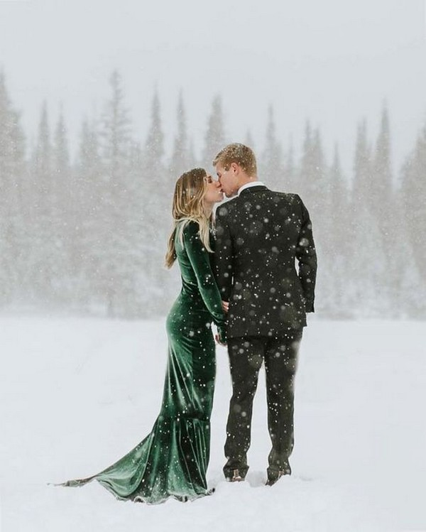 winter wonderland wedding photo ideas