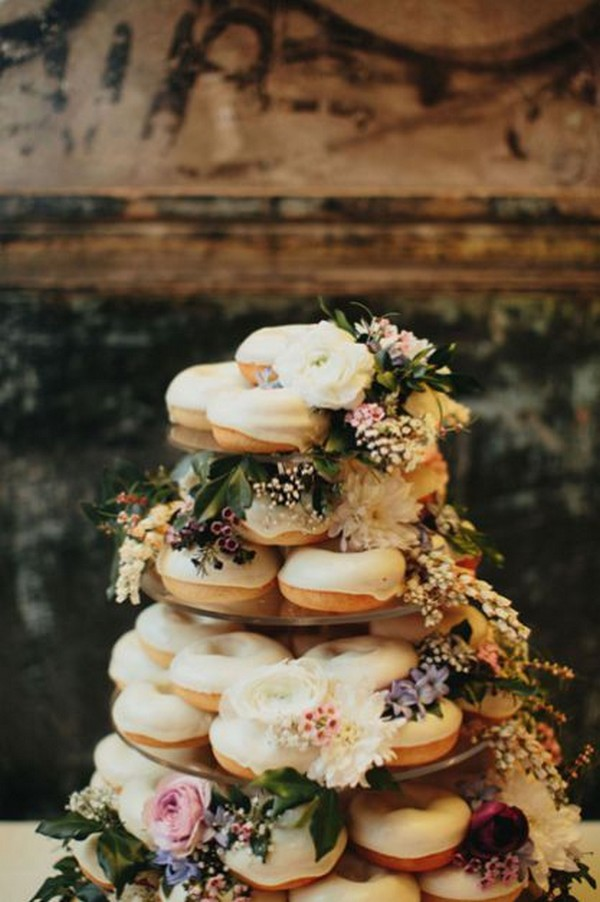 awesome wedding cake with donuts