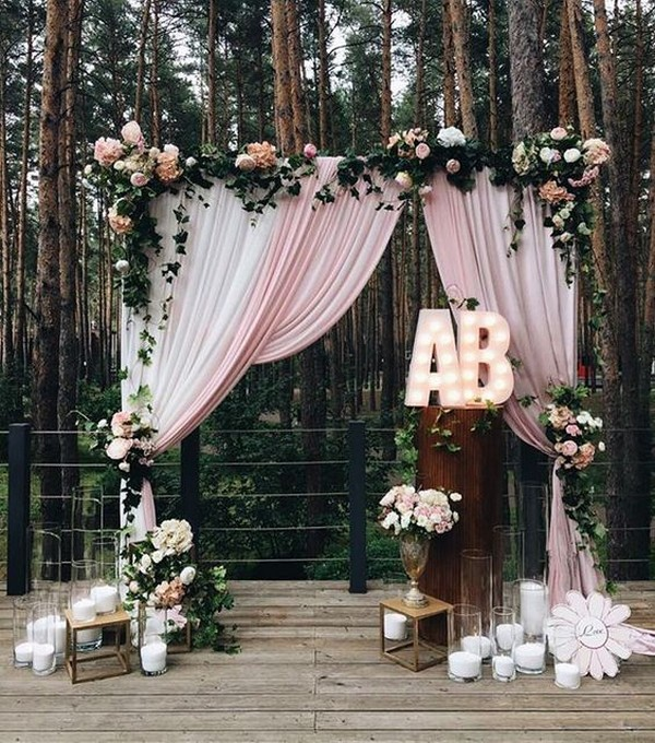 forest wedding photo booth backdrop ideas