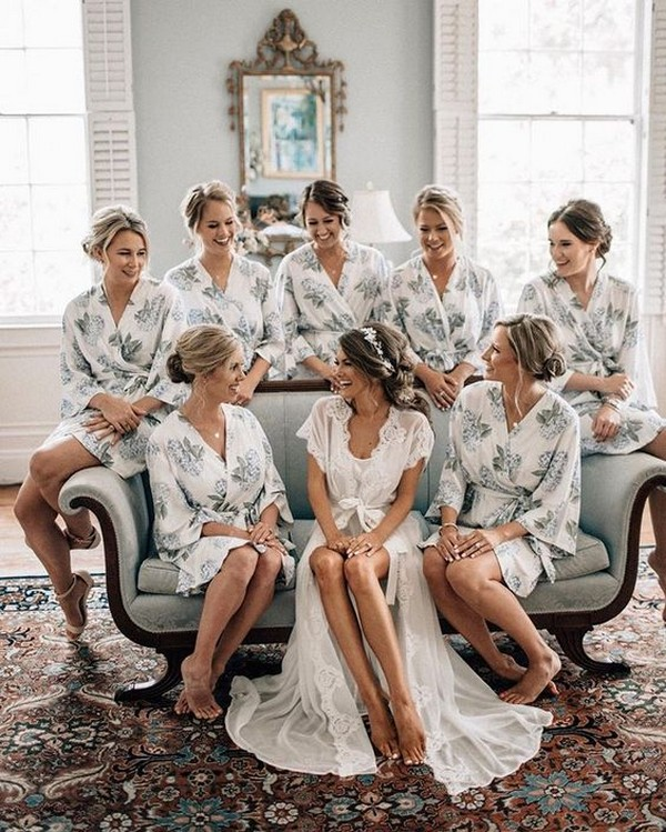 Getting Ready Wedding Photo Ideas With Bridesmaids 2