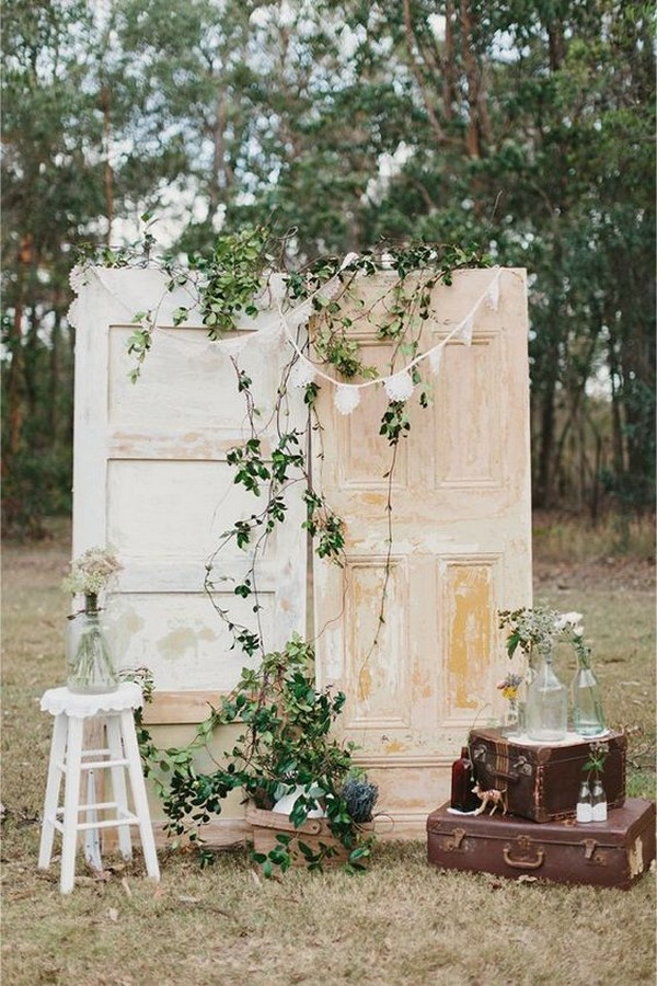 outdoor country wedding photo booth backdrop ideas