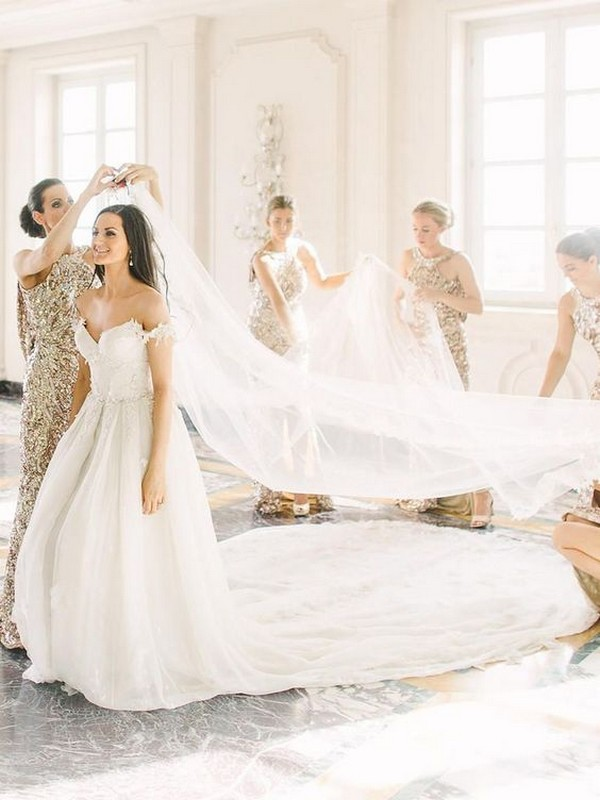 wedding photo ideas with your bridesmaids