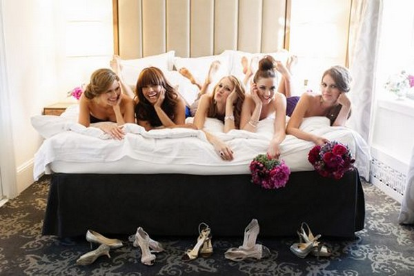 wedding photo with your bridesmaids
