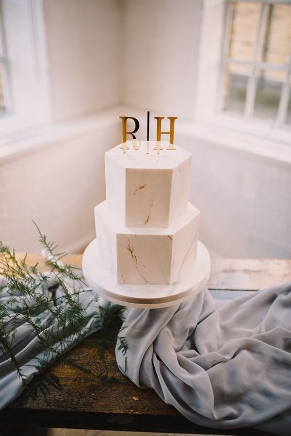 chic gold marble elegant wedding cake ideas