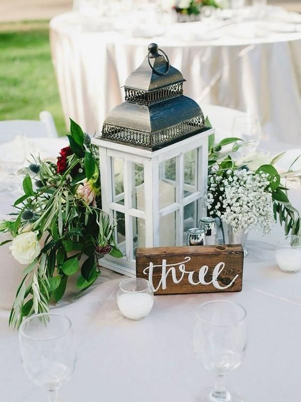 chic vintage lantern wedding centerpiece ideas