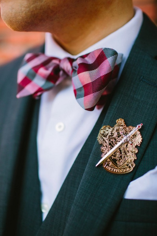 groom's attire inspired by Harry Potter