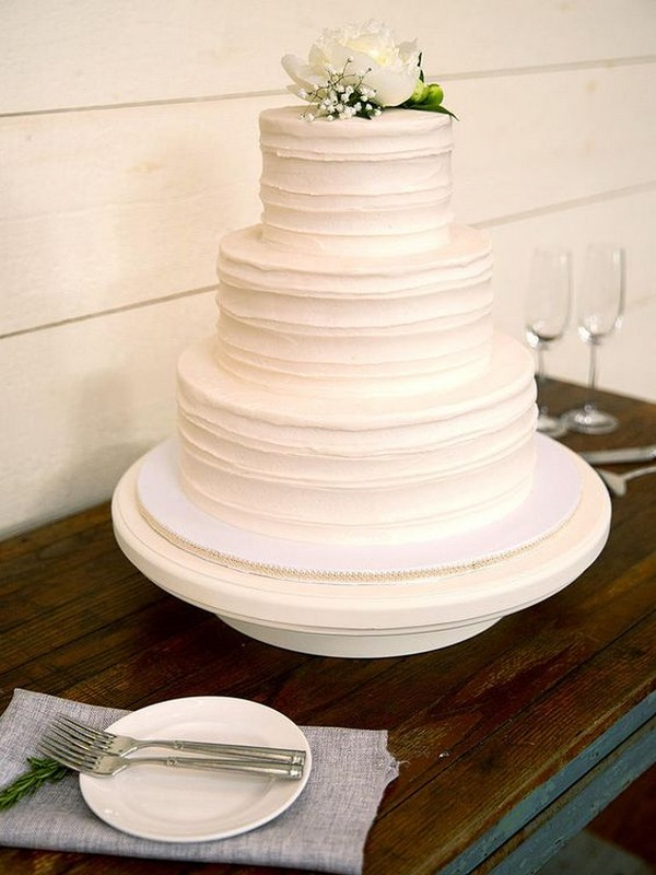 minimalist elegant white wedding cake