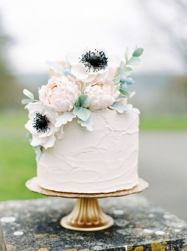 simple wedding cake for spring and summer 2019