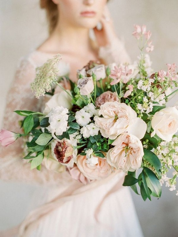 blush neutral elegant wedding bouquet