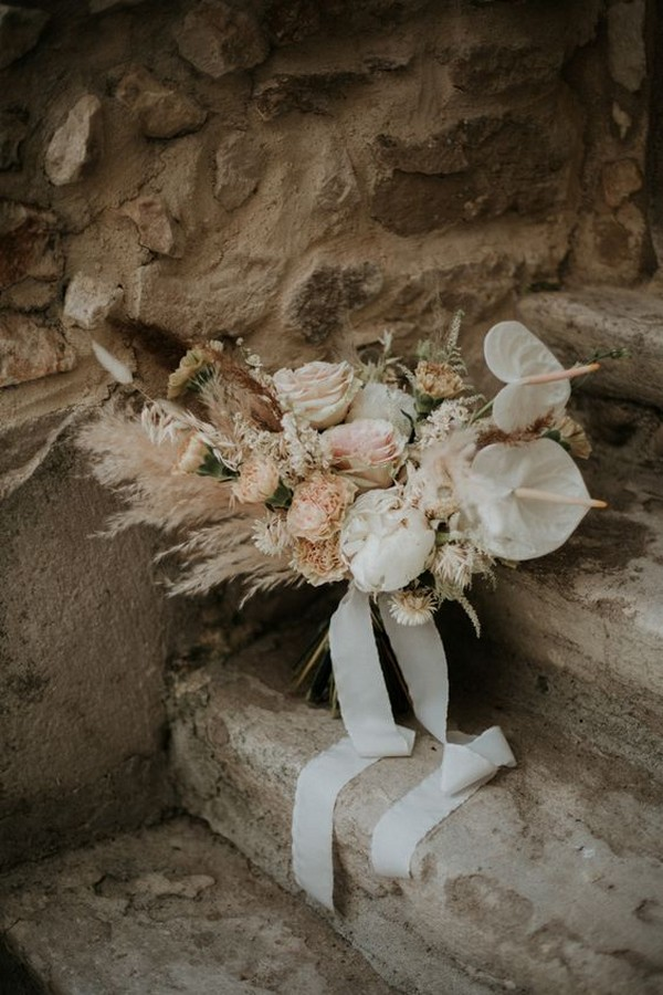 bohemian ethereal wedding bouquet ideas
