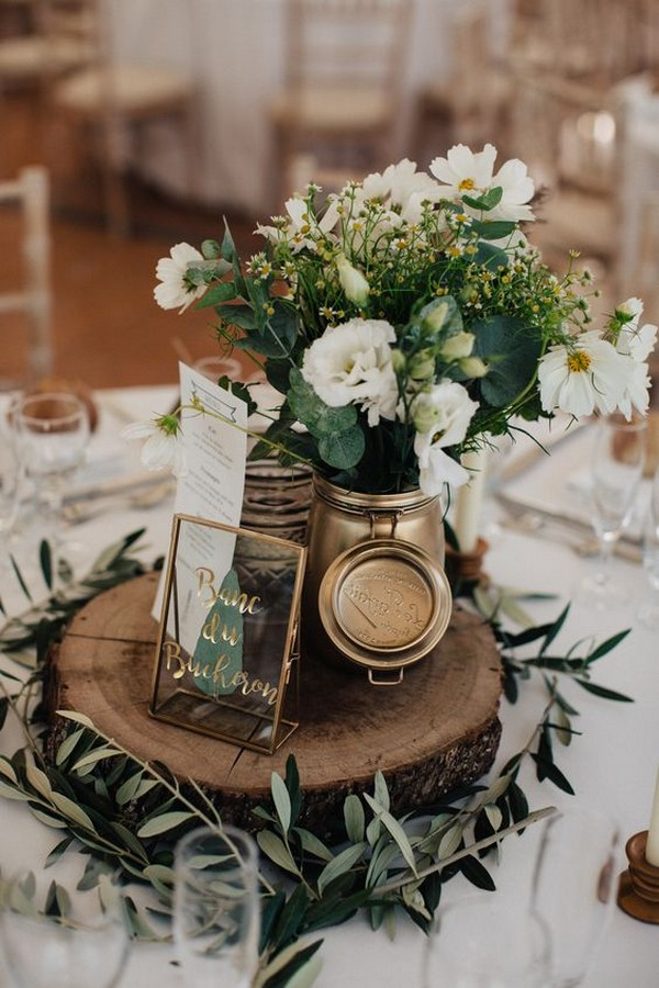 chic greenery wedding centerpiece ideas with tree stump