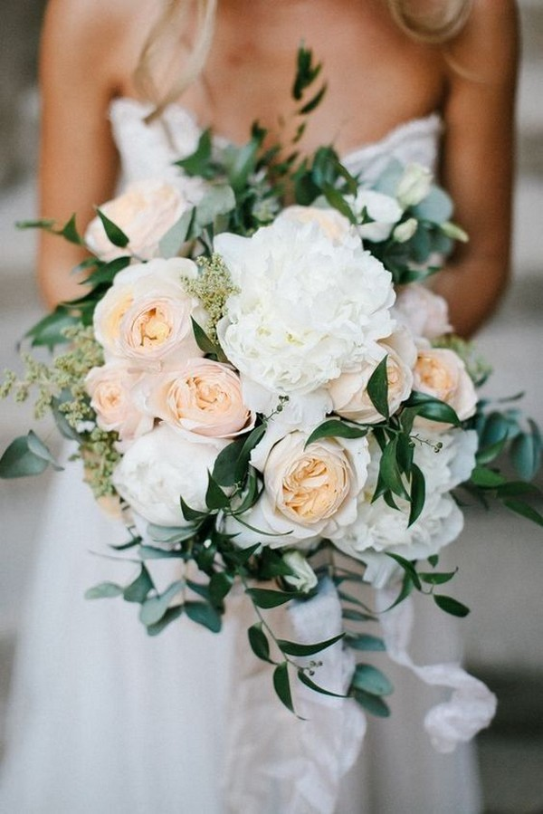 elegant neutral color wedding bouquet ideas