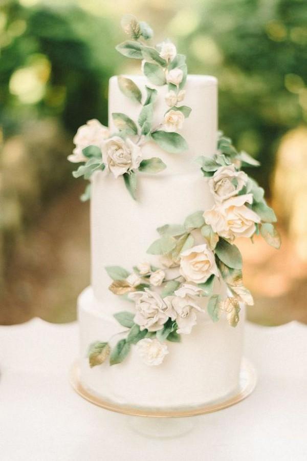 elegant wedding cake ideas with neutral floral