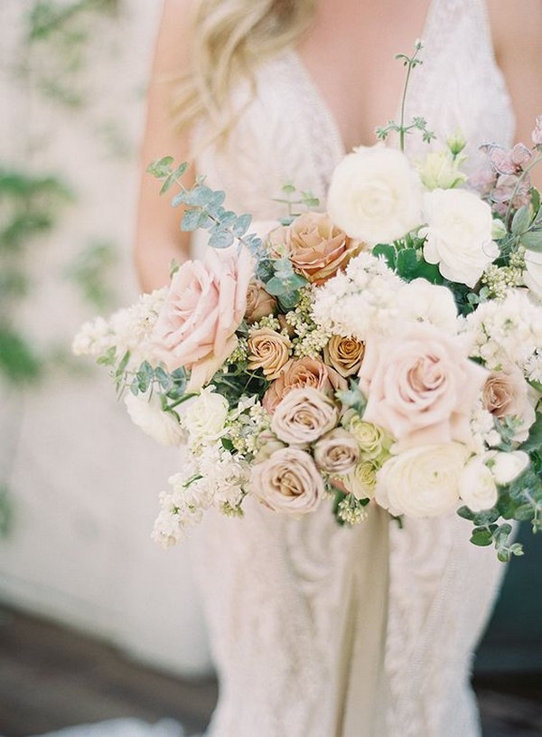 pretty wedding bouquet with neutral colors
