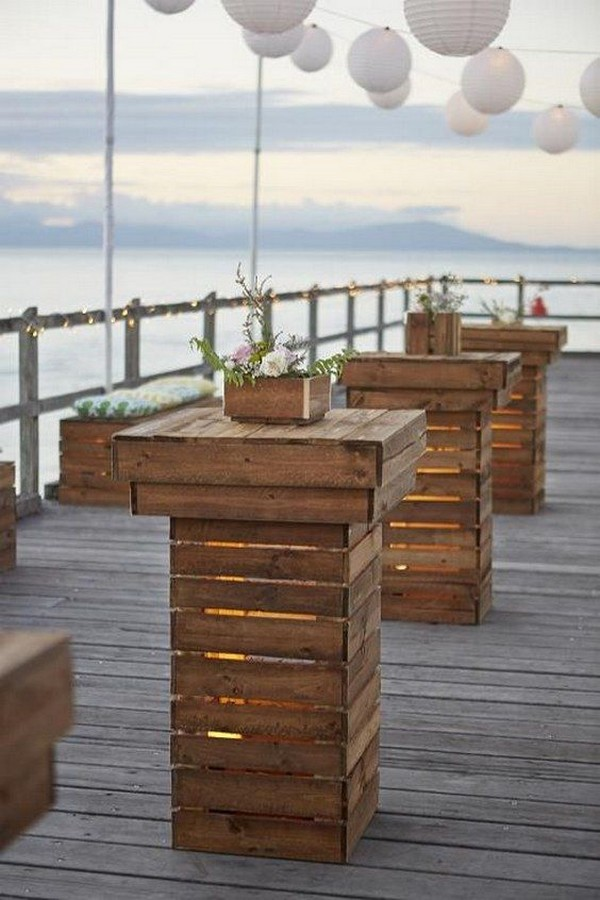 DIY wedding decoration ideas with wooden pallets