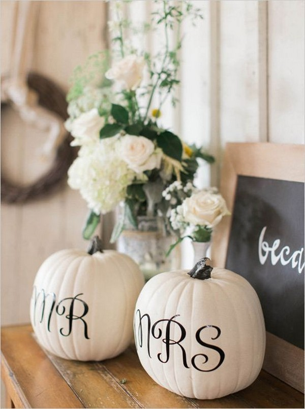 fall wedding centerpiece with pumkins