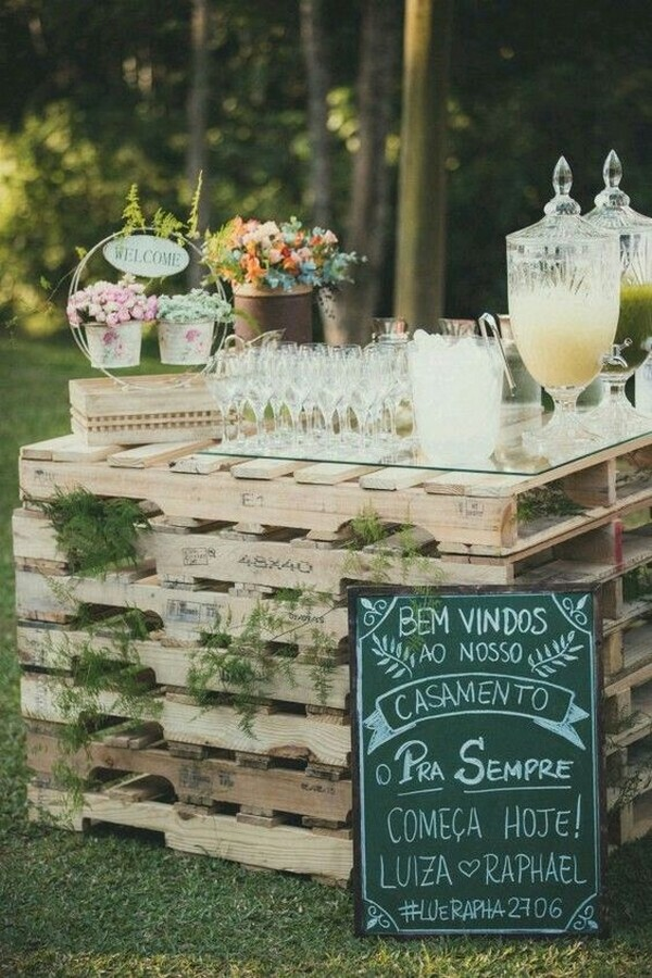 outdoor wedding drink station with wooden pallets