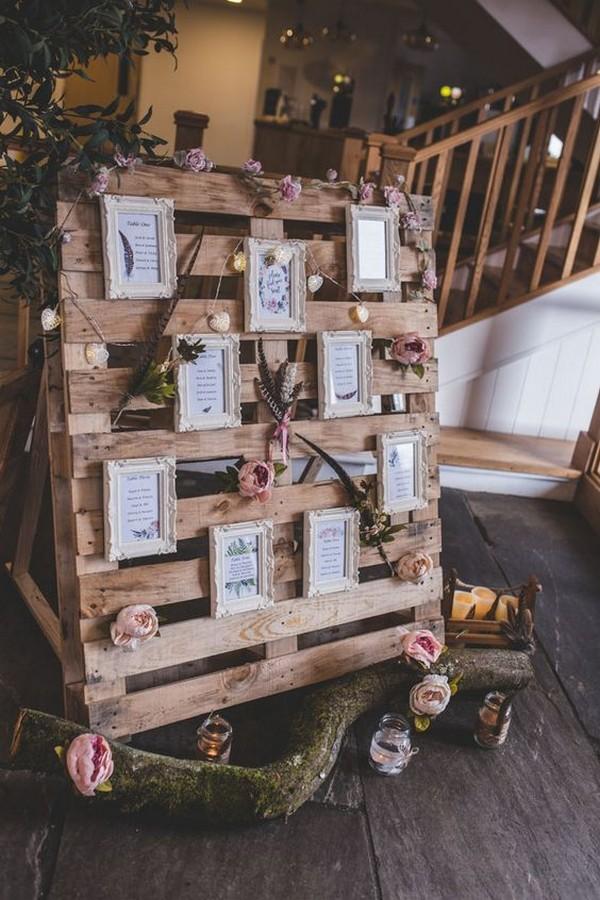 vintage woodland wedding photo diaplay ideas