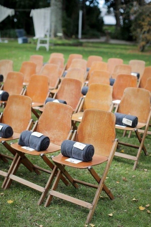 blankets on chairs as outdoor wedding favor ideas