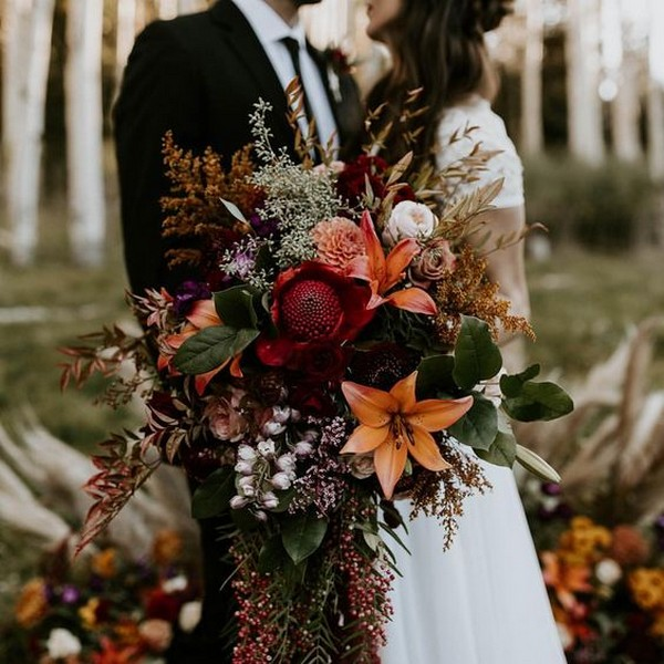 fall wedding colors inspired bouquet flowers