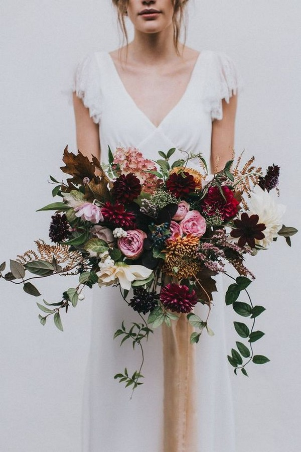 stylish fall wedding flowers bouquet