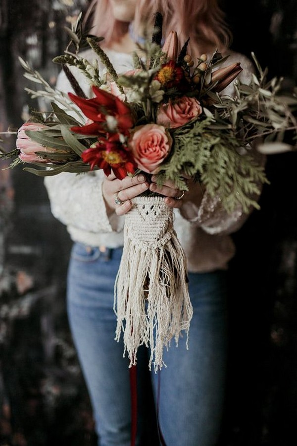 boho fall wedding bouquet ideas with macrame