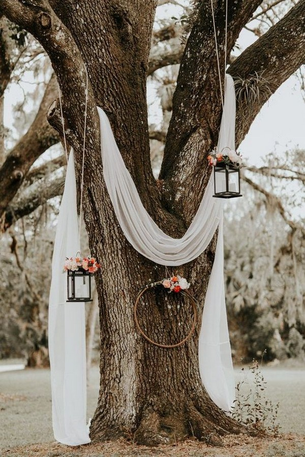 boho wedding decoration ideas with hanging lanterns