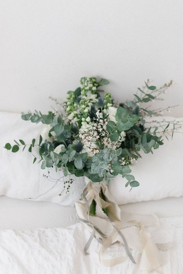 chic greenery wedding bouquet ideas
