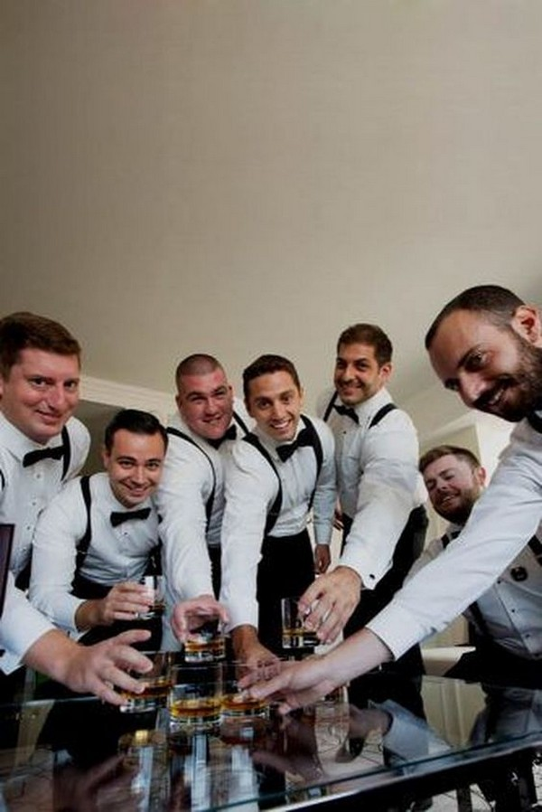 groom and groomsmen getting ready photo ideas