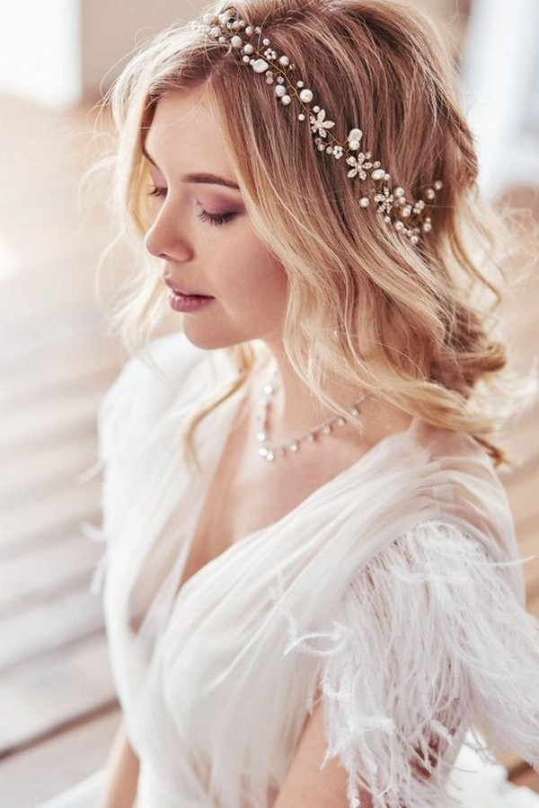 romantic wedding hairstyle ideas for medium hair