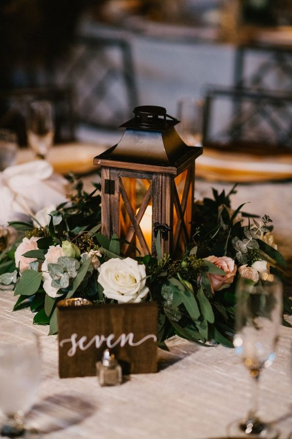 chic vintage wedding centerpiece ideas with lantern