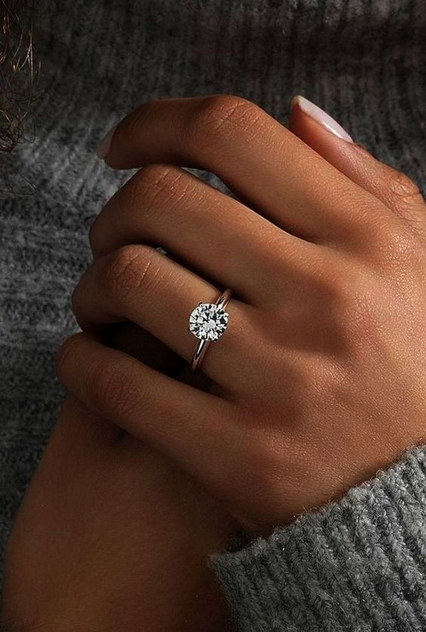 classic round cut simple engagement ring