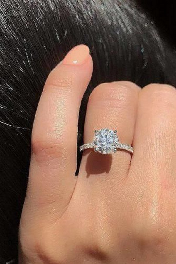 classic round cut wedding engagement ring