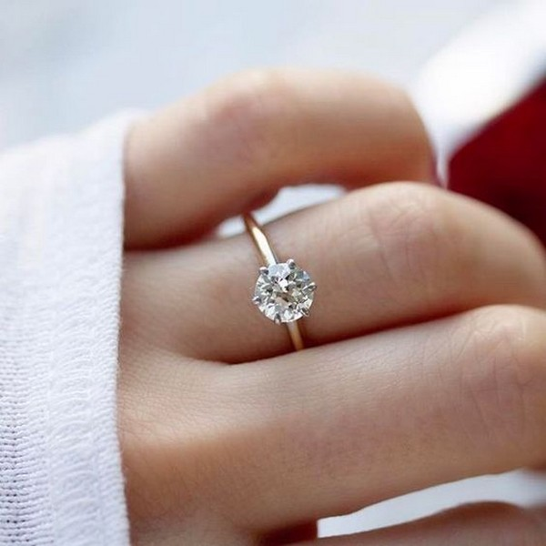 classic simple round cut engagement ring
