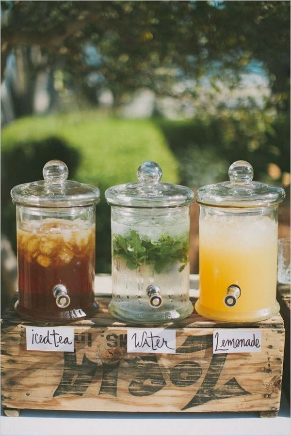 diy rustic outdoor wedding drink station ideas