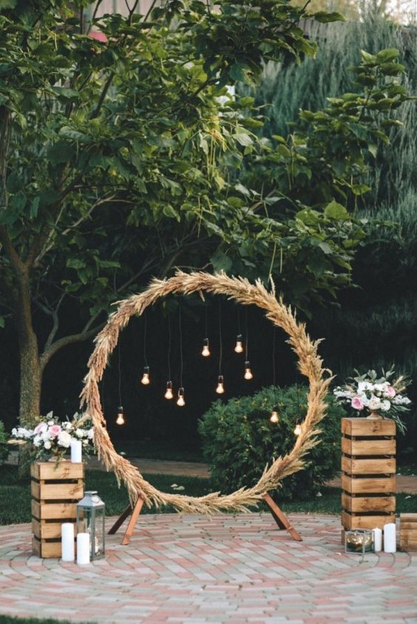 diy rustic wedding arch ideas with lanterns