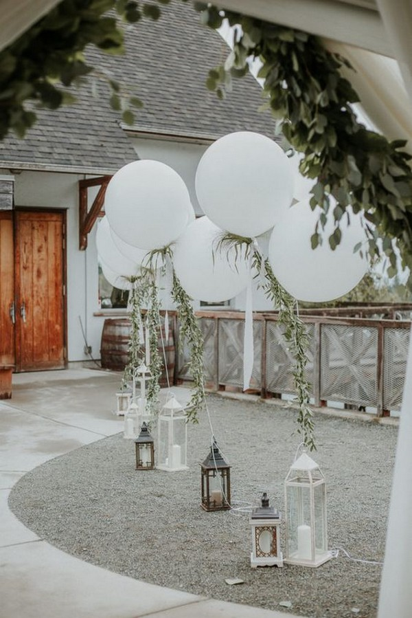 wedding decoration ideas with balloons and lanterns