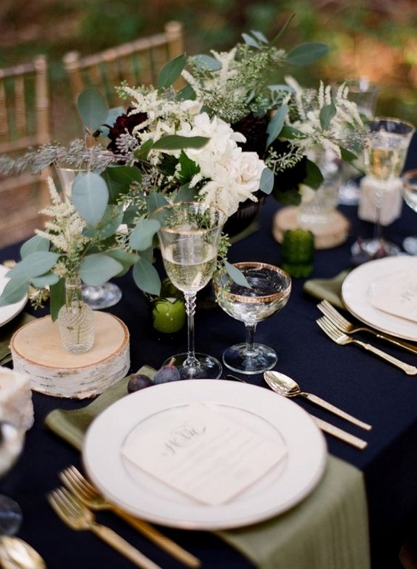 chic navy blue and greenery wedding centerpiece ideas