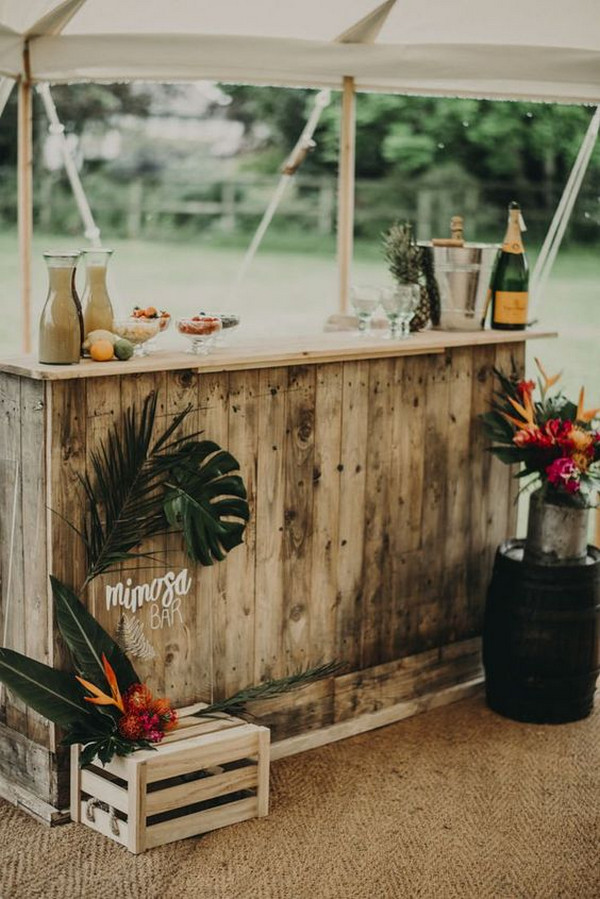 cocktail bar idea for tropical wedding