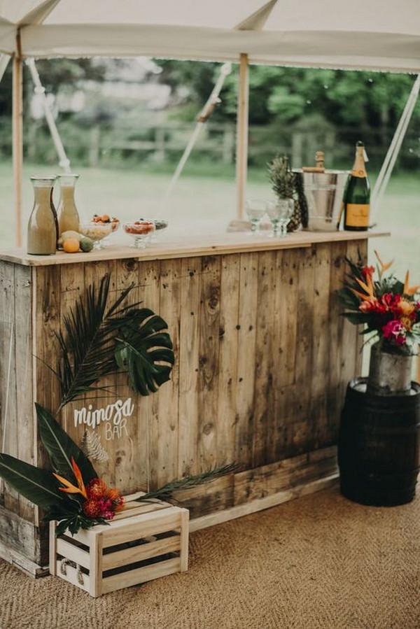 cocktail bar idea for tropical wedding
