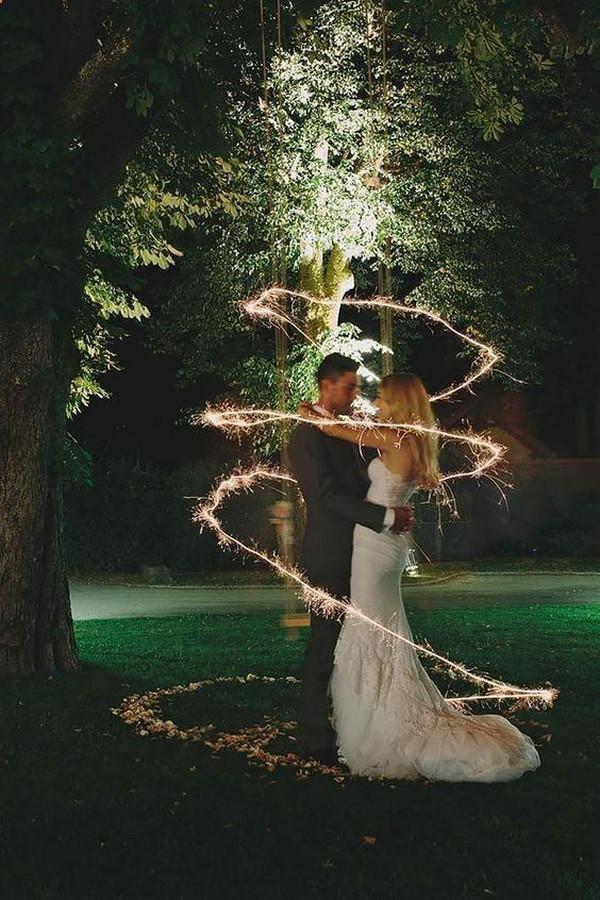 sweet night wedding photos at night
