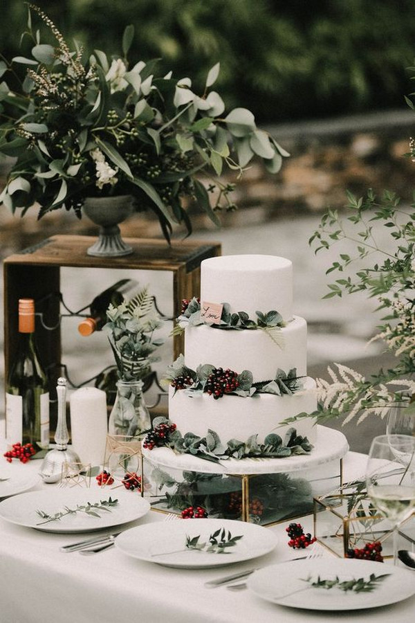 chic outdoor wedding dessert table display ideas