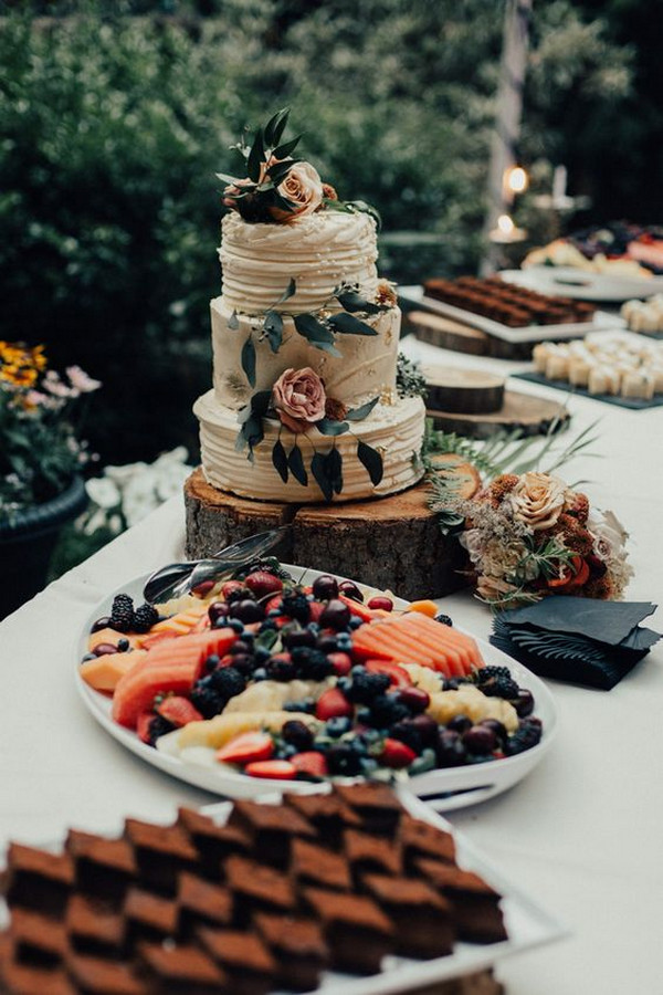rustic outdoor wedding dessert table ideas