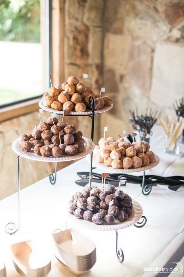 simple chic wedding dessert display ideas