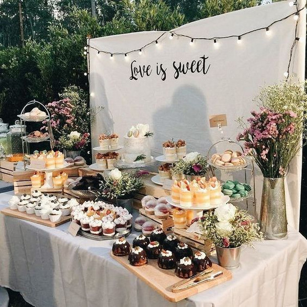 sweet outdoor wedding dessert table ideas