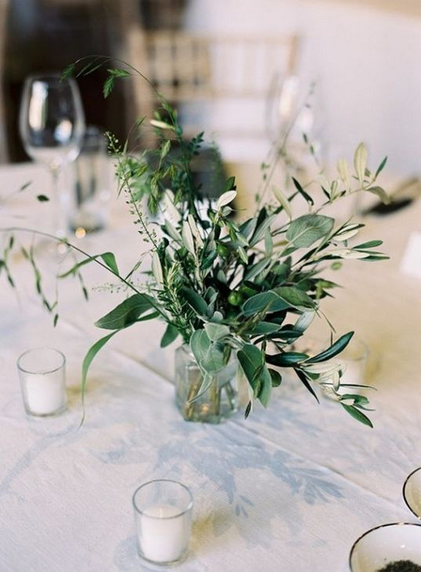 simple greenery wedding centerpiece ideas with candles