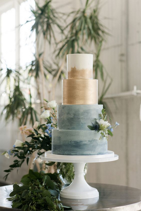 vintage blue and gold wedding cake
