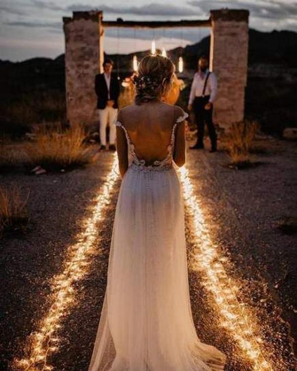 romantic wedding photo ideas with lights
