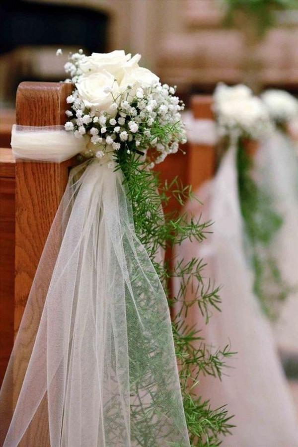church pew wedding ceremony decoration ideas with baby's breath
