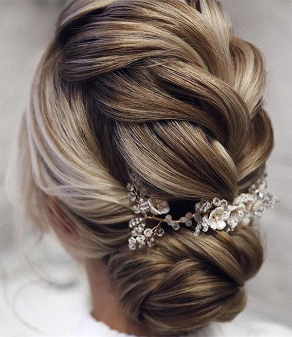 elegant updo wedding hairstyles for 2020 brides 1